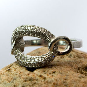 925 Sterling Silver Diamond Link Ring Size 4 1/2